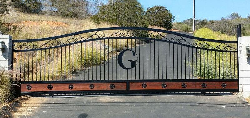 Entry/Driveway Gates Temecula, CA | Swinging/Sliding Gate